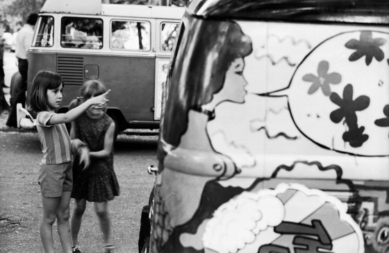 Girls meet the hippie van, Piedmont Park 1971 copyright Boyd Lewis